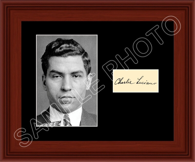 BBC NEWS | In Pictures | In pictures: Mobster memorabilia